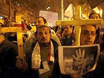 Более 100 тысяч коптов-христиан покинули Египет после весенней революции / источник: Sedmitza.ru